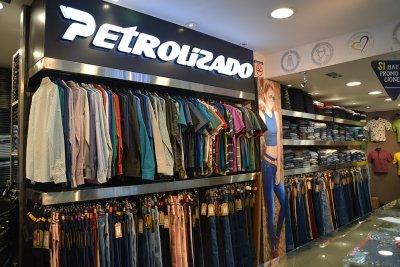 Petrolizado Jeans Colombianos local san carlos
