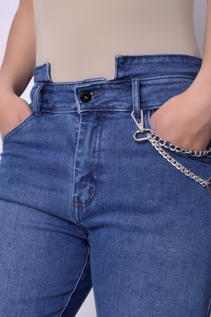Jeans-colombianos-Jeans-para-dama-al-por-mayor-Petrolizadojeans-Jeans-REF-P02-656-zoom-frente-color-azul-medio.jpg